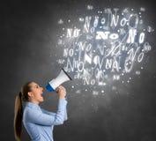 Γυναίκα που κραυγάζει το αριθ. Στοκ εικόνες με δικαίωμα ελεύθερης χρήσης