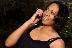 Γυναίκα που μιλά στο τηλέφωνο Στοκ Φωτογραφίες