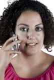 Γυναίκα που μιλά στο τηλέφωνο Στοκ εικόνα με δικαίωμα ελεύθερης χρήσης