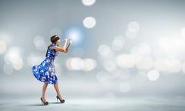Γυναίκα που παίζει fife Στοκ φωτογραφίες με δικαίωμα ελεύθερης χρήσης
