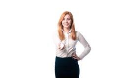 Γυναίκα που παρουσιάζει μια επαγγελματική κάρτα Στοκ Φωτογραφίες
