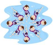 Γυναίκα που συγχρονίζεται κολύμβηση στην ομάδα Στοκ Εικόνα