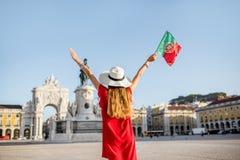 Γυναίκα που ταξιδεύει στη Λισσαβώνα, Πορτογαλία Στοκ Εικόνες