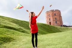 Γυναίκα που ταξιδεύει σε Vilnius Στοκ Εικόνες