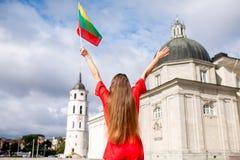 Γυναίκα που ταξιδεύει σε Vilnius Στοκ φωτογραφία με δικαίωμα ελεύθερης χρήσης