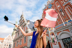 Γυναίκα που ταξιδεύει στη Λετονία Στοκ φωτογραφία με δικαίωμα ελεύθερης χρήσης