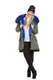 Γυναίκα που φορά το μαντίλι χειμερινών σακακιών και την ΚΑΠ στοκ εικόνες με δικαίωμα ελεύθερης χρήσης