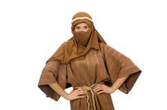Γυναίκα που φορά το μεσαιωνικό αραβικό ιματισμό στο λευκό Στοκ Εικόνα