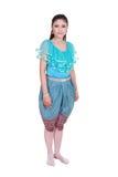 Γυναίκα που φορά το χαρακτηριστικό ταϊλανδικό φόρεμα που απομονώνεται στο άσπρο υπόβαθρο Στοκ φωτογραφίες με δικαίωμα ελεύθερης χρήσης
