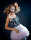 γυναίκα που φορά ως κούκλα CHucky. Αποκριές Στοκ Εικόνα