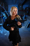 γυναίκα πυροβόλων όπλων Στοκ Φωτογραφία