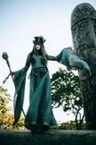 Γυναίκα-σαμάνος με τα κέρατα στοκ φωτογραφίες