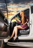 Γυναίκα σε ένα αυτοκίνητο Στοκ Φωτογραφία