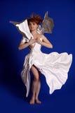 Γυναίκα σε ένα φόρεμα εγγράφου στοκ εικόνα