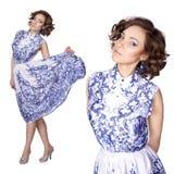 Γυναίκα σε ένα φόρεμα με ένα σχέδιο gzhel Στοκ εικόνα με δικαίωμα ελεύθερης χρήσης