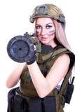 Γυναίκα σε μια στρατιωτική κάλυψη με ένα μπαζούκας Στοκ φωτογραφίες με δικαίωμα ελεύθερης χρήσης