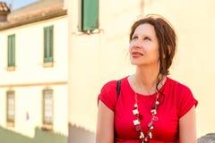 Γυναίκα στα ιταλικά χωριό στοκ εικόνες με δικαίωμα ελεύθερης χρήσης