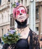 Γυναίκα στα κοστούμια στον περίπατο Σάο Πάολο Zombie Στοκ Εικόνα