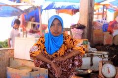Γυναίκα στην αγορά Στοκ φωτογραφίες με δικαίωμα ελεύθερης χρήσης