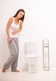 Γυναίκα στην τουαλέτα Στοκ φωτογραφία με δικαίωμα ελεύθερης χρήσης