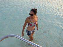 Γυναίκα στη θάλασσα στοκ εικόνες