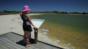 Γυναίκα στη λίμνη Thetis απόθεμα βίντεο