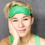 Γυναίκα στη μάσκα ύπνου Στοκ φωτογραφίες με δικαίωμα ελεύθερης χρήσης