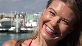 Γυναίκα στη μαρίνα ή το λιμάνι φιλμ μικρού μήκους