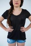 Γυναίκα στη μαύρη μπλούζα και τα καυτά εσώρουχα Στοκ Εικόνα