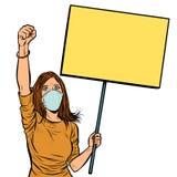 Γυναίκα στις ιατρικές διαμαρτυρίες μασκών με μια αφίσα απομονώστε στο άσπρο β ελεύθερη απεικόνιση δικαιώματος
