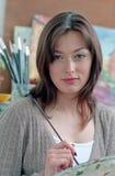 γυναίκα στούντιο ζωγράφω&n Στοκ φωτογραφία με δικαίωμα ελεύθερης χρήσης