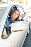 Γυναίκα στο αυτοκίνητο στοκ εικόνα με δικαίωμα ελεύθερης χρήσης