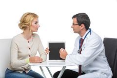 Γυναίκα στο διορισμό γιατρών Στοκ εικόνα με δικαίωμα ελεύθερης χρήσης