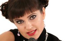 Γυναίκα στο μαύρο τραγούδι φορεμάτων απόθεμα βίντεο