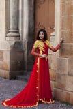 Γυναίκα στο παραδοσιακό βιετναμέζικο κοστούμι Στοκ εικόνα με δικαίωμα ελεύθερης χρήσης