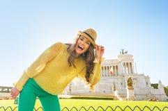 Γυναίκα στο venezia πλατειών στη Ρώμη, Ιταλία Στοκ Φωτογραφίες