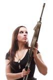Γυναίκα στρατού με το πυροβόλο όπλο - κορίτσι με το πλαστικό τουφεκιών Στοκ φωτογραφία με δικαίωμα ελεύθερης χρήσης