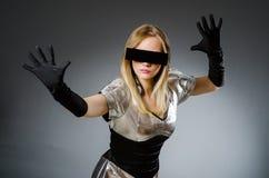 Γυναίκα τεχνολογίας σε φουτουριστικό Στοκ Εικόνα