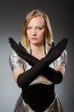 Γυναίκα τεχνολογίας σε φουτουριστικό Στοκ Φωτογραφίες