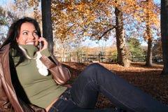 γυναίκα τηλεφωνικής σκη&n Στοκ φωτογραφίες με δικαίωμα ελεύθερης χρήσης