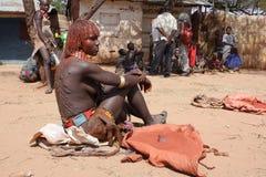 γυναίκα της Αιθιοπίας hamer Στοκ φωτογραφία με δικαίωμα ελεύθερης χρήσης