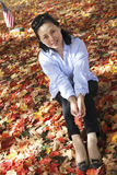 Γυναίκα το φθινόπωρο Στοκ Φωτογραφία