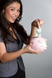 Γυναίκα τράπεζας Piggy στοκ φωτογραφία με δικαίωμα ελεύθερης χρήσης