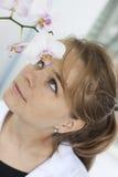 Γυναίκα φαρμακοποιών Στοκ φωτογραφία με δικαίωμα ελεύθερης χρήσης