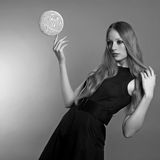 γυναίκα φωτογραφιών μόδας τέχνης Στοκ Φωτογραφία