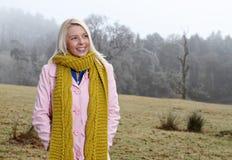 γυναίκα φύσης έξω Στοκ εικόνα με δικαίωμα ελεύθερης χρήσης