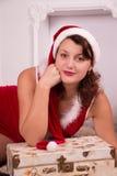 Γυναίκα Χριστουγέννων με το δώρο Στοκ Φωτογραφία