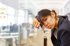 Γυναίκα ως επιχειρηματία με την ουδετεροποίηση Στοκ Φωτογραφία
