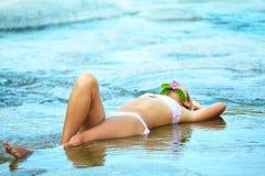 γυναίκα ύδατος ροής Στοκ εικόνα με δικαίωμα ελεύθερης χρήσης
