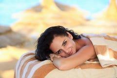γυναίκα ύδατος σωμάτων care foot health spa Γυναίκα SPA Έννοια επεξεργασίας ομορφιάς Όμορφη υγεία Στοκ Φωτογραφίες